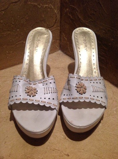 BCBGeneration White/tan Wedges