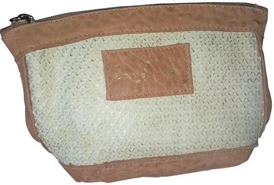 Preload https://img-static.tradesy.com/item/23621666/alberta-di-canio-brown-and-cream-cosmetic-bag-0-1-540-540.jpg
