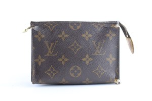 Louis Vuitton Pouch Cosmetic Make Up Pochette Trousse Brown Clutch