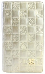 Chanel Gold Embossed Chocolate Bar Quilted Long Wallet 226339r