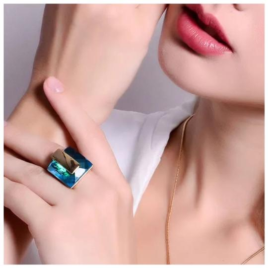 ME-Boutiques Private Label Collection Swarovski Crystals Faceted Teal Blue Statement Ring S21 Image 1