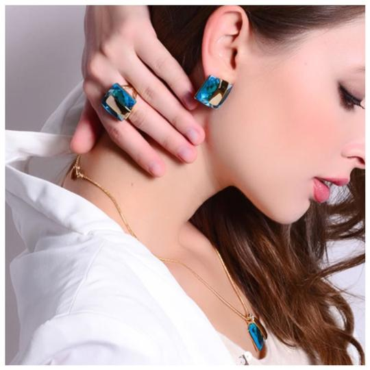 ME-Boutiques Private Label Collection Swarovski Crystals Faceted Teal Blue Statement Ring S21 Image 2