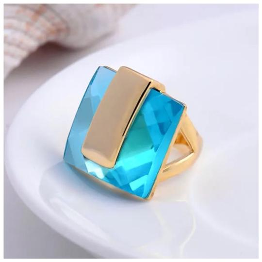 ME-Boutiques Private Label Collection Swarovski Crystals Faceted Teal Blue Statement Ring S21 Image 3