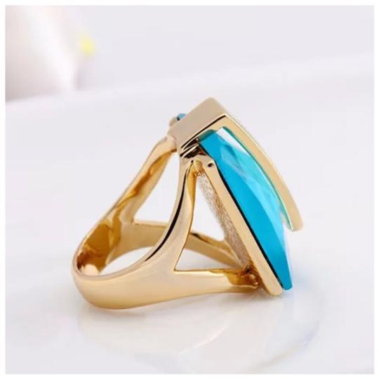 ME-Boutiques Private Label Collection Swarovski Crystals Faceted Teal Blue Statement Ring S21 Image 4
