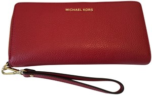 Michael Kors MICHAEL KORS MERCER TRAVEL CONTINENTAL WALLET RED LEATHER ZIP AROUND W