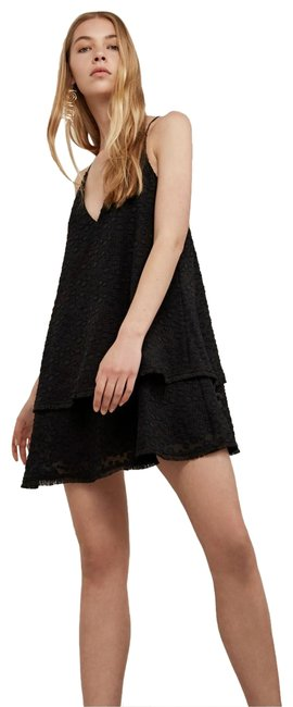 Preload https://img-static.tradesy.com/item/23623247/cmeo-collective-black-static-space-tiered-short-casual-dress-size-8-m-0-1-650-650.jpg