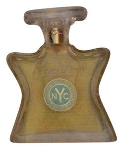 Boutique 9 bond no 9 eau de New York.