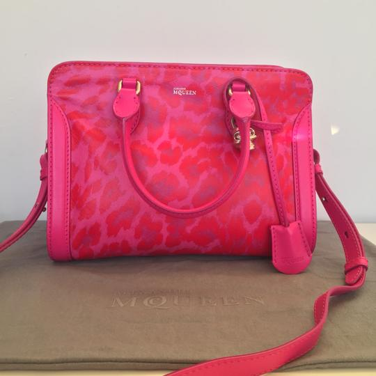 Alexander McQueen Limited Edition Convertible Padlock Skull Attention Satchel in Pink Image 1