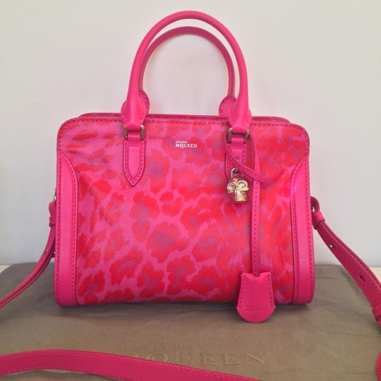 Alexander McQueen Limited Edition Convertible Padlock Skull Attention Satchel in Pink Image 2