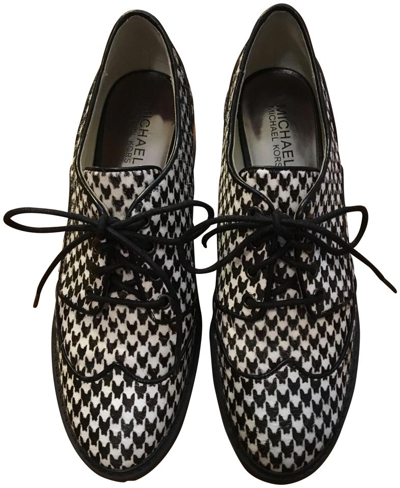 512052858c0 Michael Kors Edison Houndstooth Oxfords Calf Hair Loafers Size 7.5 Oxfords  Oxfords Black Flats Image 0 ...