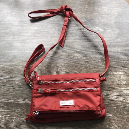 Kenneth Cole Reaction Cross Body Bag Image 8