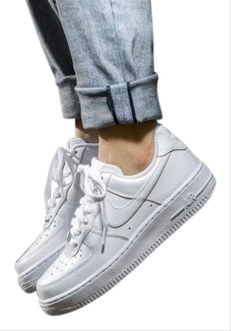 Nike Women S Air Force 1 07 White Blending Classic Style And