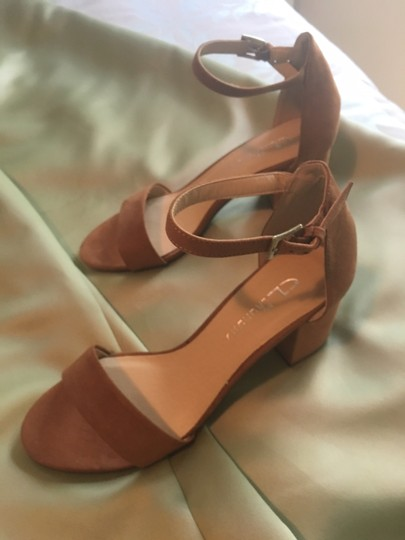 Chinese Laundry Sexy Vintage Tan/Beige Pumps Image 1