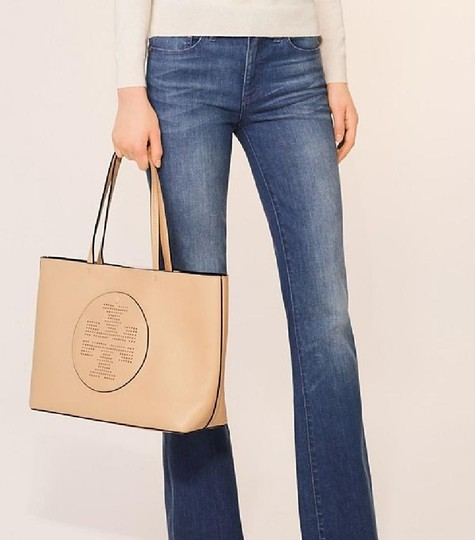 Tory Burch Tote in dune/navy Image 8