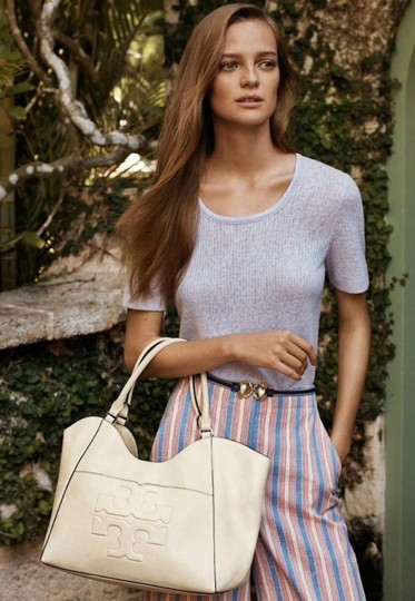 Tory Burch Tote in ivory Image 2