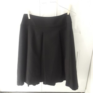 Zara Classic Pleated Skirt Black