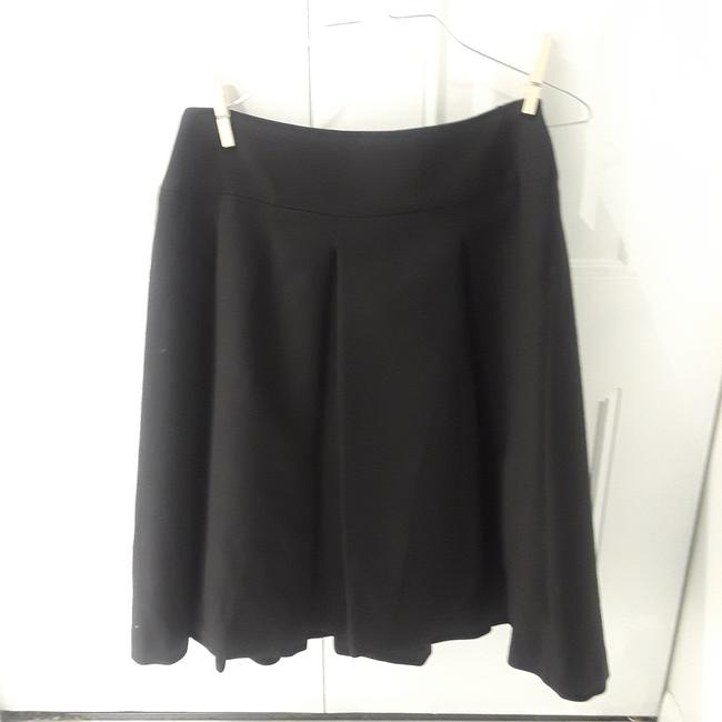 Preload https://img-static.tradesy.com/item/23627270/zara-black-large-pleats-wool-skirt-size-6-s-28-0-2-650-650.jpg