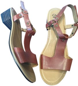 Clarks Block Heel Leather T Strap tan Sandals