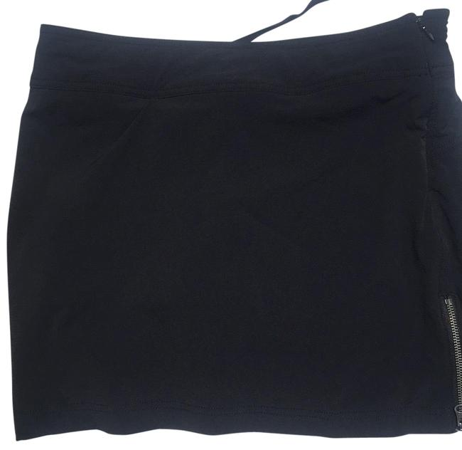 Preload https://img-static.tradesy.com/item/23627845/athleta-black-to-and-fro-skort-activewear-bottoms-size-6-s-28-0-1-650-650.jpg