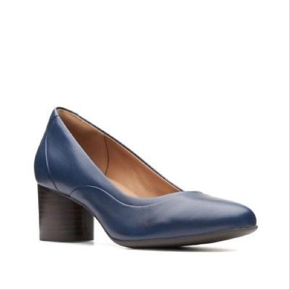 5dfe0e58ffe Clarks Navy Blue Unstructured Un Cosmo New Leather Pumps. Size  US 9 ...