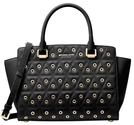 Preload https://img-static.tradesy.com/item/23628570/michael-kors-selma-grommeted-quilted-satchel-tote-cross-body-black-leather-shoulder-bag-0-1-540-540.jpg