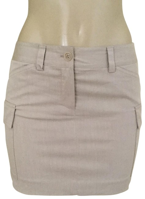 Preload https://img-static.tradesy.com/item/23628993/theory-beige-mini-skirt-size-0-xs-25-0-1-650-650.jpg