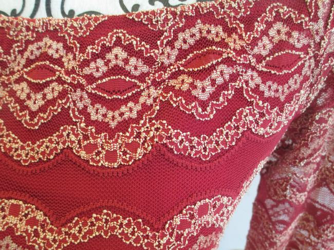 Gianni Bini Embroidered Fitted Lace Scoop Neck Dress Image 3