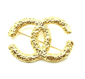 Chanel #20264 Rare XL extra large CC Textured gold hardware brooch pin charm