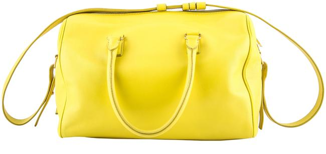 Item - Duffle Classic 6 Hour Yellow Leather Shoulder Bag
