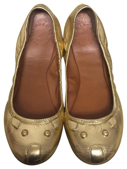 Preload https://img-static.tradesy.com/item/23631532/marc-by-marc-jacobs-gold-flats-size-eu-38-approx-us-8-regular-m-b-0-1-540-540.jpg