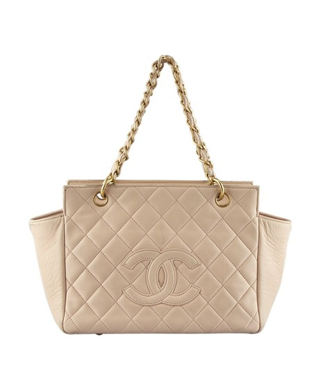 Preload https://img-static.tradesy.com/item/23631812/chanel-quilted-134086-pink-leather-tote-0-0-540-540.jpg