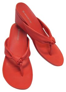 Naturalizer Thong Size 8m CORAL Wedges