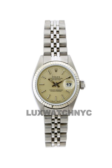 Preload https://img-static.tradesy.com/item/23632586/rolex-26mm-ladies-datejust-ss-with-box-and-appraisal-watch-0-0-540-540.jpg