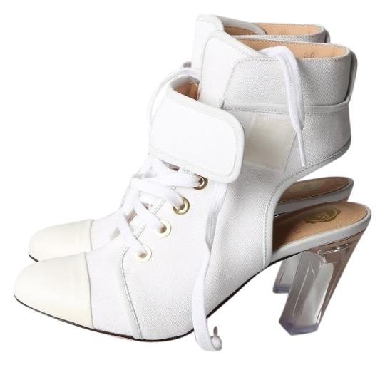 Preload https://img-static.tradesy.com/item/23632659/viktor-and-rolf-white-leather-women-s-lace-up-ankle-bootsbooties-size-us-8-regular-m-b-0-1-540-540.jpg
