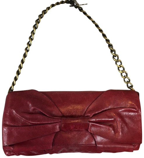 Preload https://img-static.tradesy.com/item/23632914/hobo-international-bow-front-red-leather-clutch-0-1-540-540.jpg