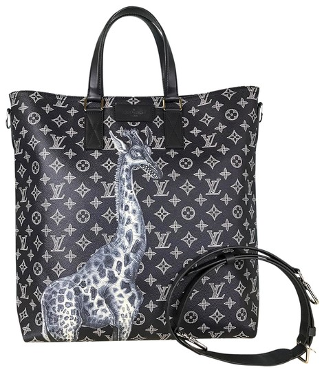 Preload https://item2.tradesy.com/images/louis-vuitton-chapman-brothers-giraffe-navy-blue-canvas-tote-23633006-0-1.jpg?width=440&height=440
