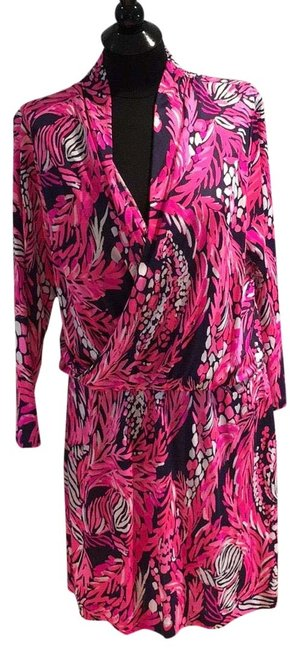 Preload https://item2.tradesy.com/images/lilly-pulitzer-jungle-in-here-felizia-silk-short-casual-dress-size-14-l-23633171-0-1.jpg?width=400&height=650