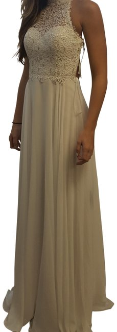 Item - White - Long Formal Dress Size 2 (XS)