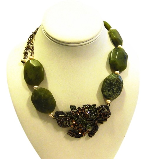 Preload https://item2.tradesy.com/images/heidi-daus-bronzetone-simulated-jade-rock-crystal-drop-with-4-inch-extender-necklace-2363506-0-0.jpg?width=440&height=440
