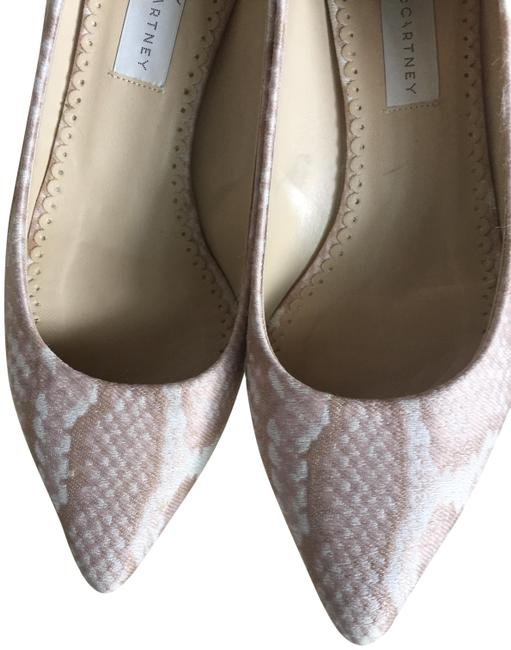 Item - Pink Embroidered Pointed-toe Pumps Size EU 37.5 (Approx. US 7.5) Regular (M, B)