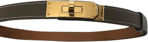 Hermès Brand New Hermes Kelly Belt in Etoupe with gold