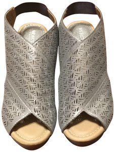 Kenneth Cole Reaction Silver Wedges