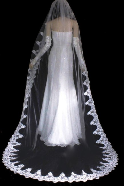Item - Ivory Long Royal Length French Lace Cathedral Bridal Veil