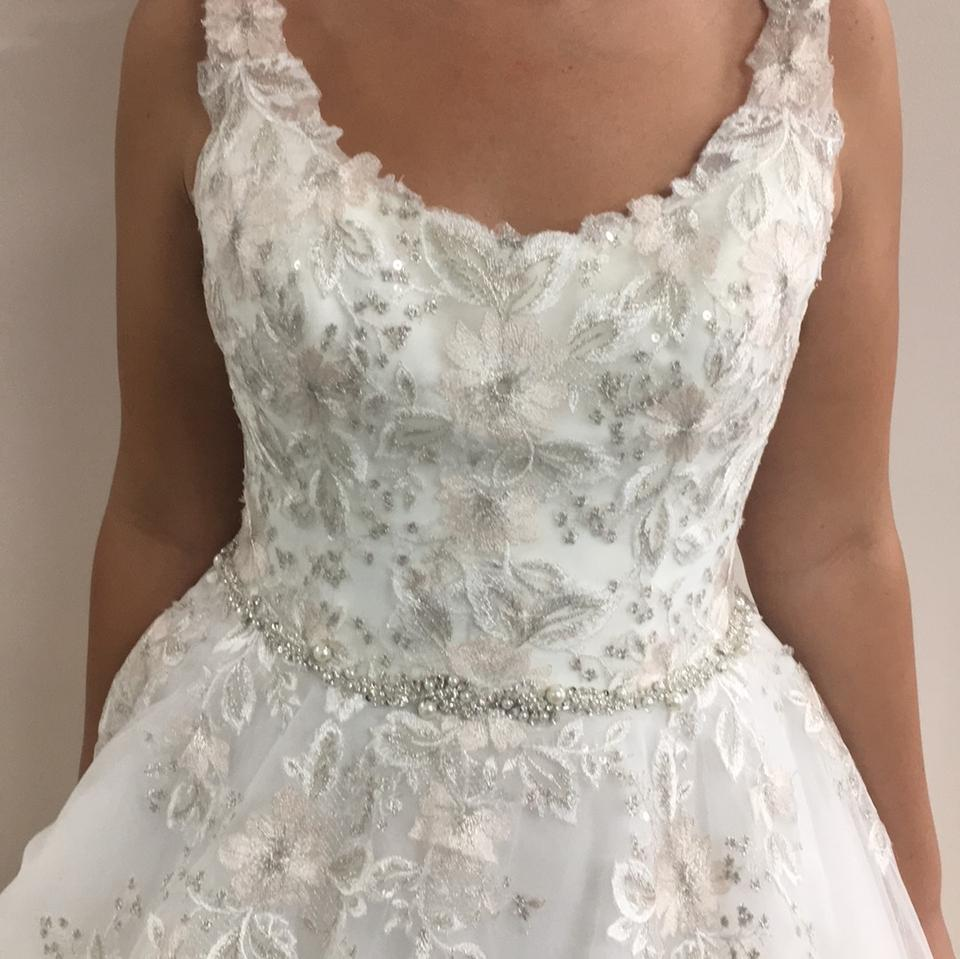 14a88f8cbb18 Maggie Sottero Ivory with Blush Accent Tayla Vintage Wedding Dress Size 10  (M) Image. 1234567