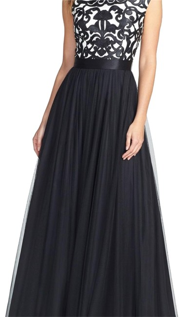 Item - Black and White Ball Gown Long Formal Dress Size 4 (S)