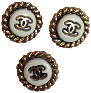 Chanel Authentic Chanel 3 small buttons