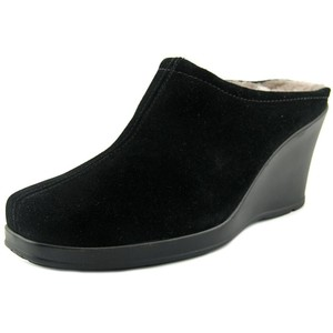 La Canadienne Italian Suede Waterproof Pump Wedge Black Mules