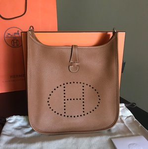 Hermès Evelyn Iii Evelyne Clemence H Cross Body Bag