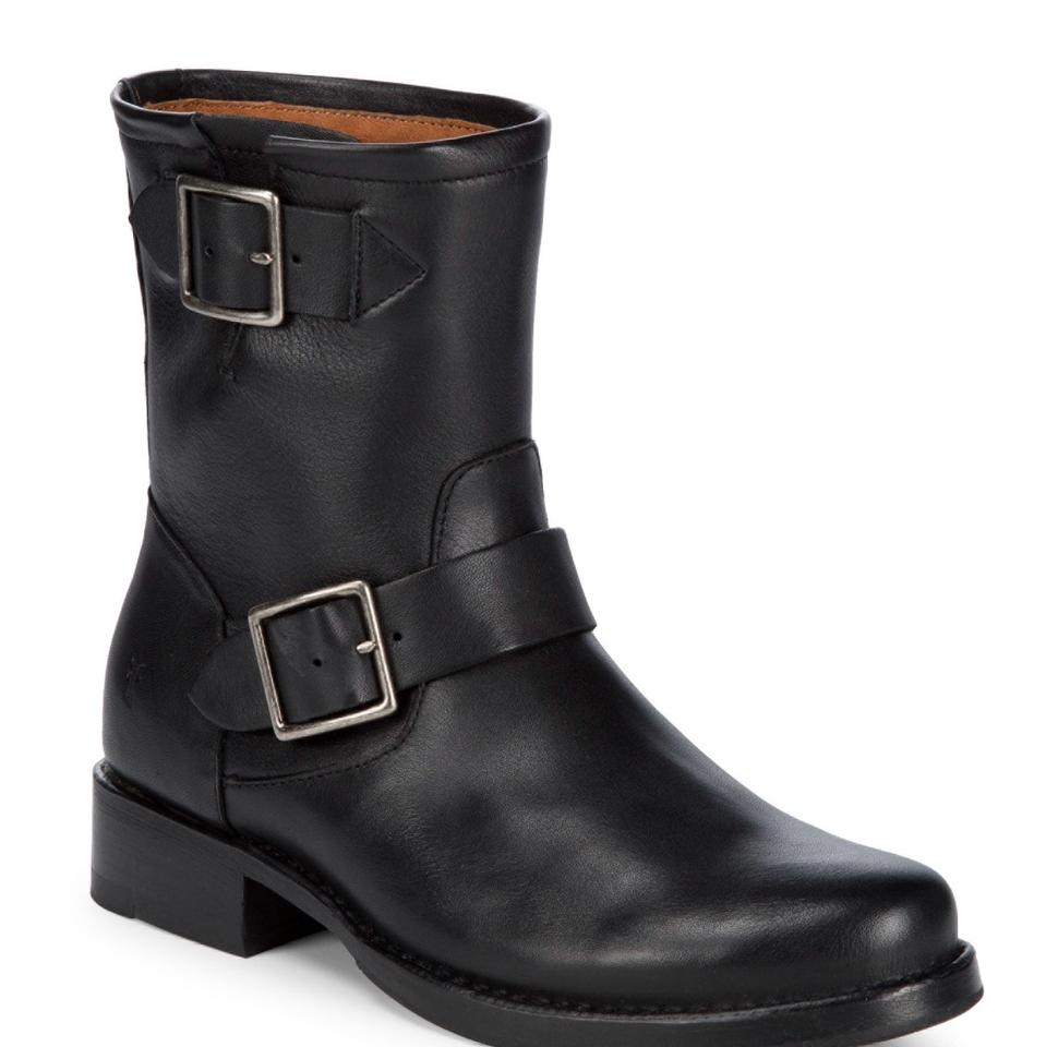 women Frye Black Hannah very Engineer Boots/Booties The color is very Hannah noticeable 118960