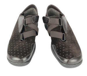 Stuart Weitzman Suede Leather Perforated Fashion Sneakers Brown Flats